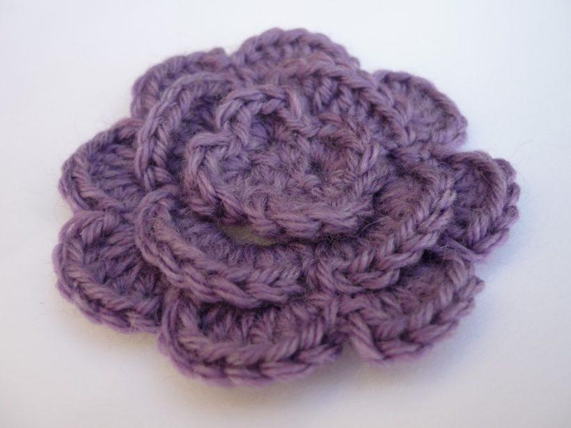 Comment faire une fleur au crochet - Comment faire une fleur en elastique ...